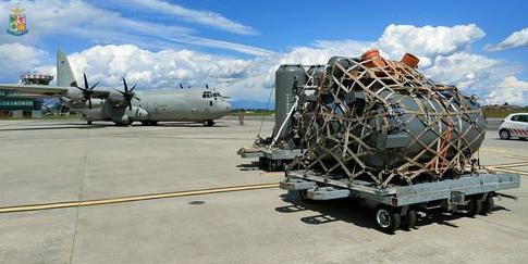 Emergenza Covid-19 in India: Attrezzature mediche dall'Italia con il volo dell'Aeronautica Militare