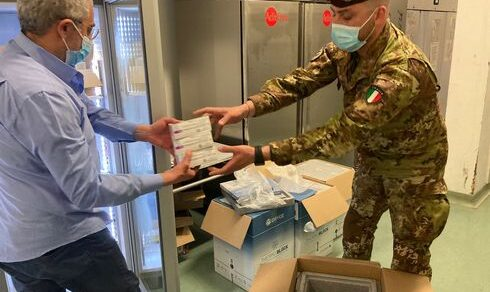 """Esercito Italiano: Trasporto dei vaccini su tutto il territorio nazionale nell'ambito dell'Operazione """"EOS"""""""