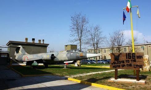 """Aeroporto Militare """"Luigi Olivari"""" di Ghedi: Avvicendamento e rinnovo del drappo della Bandiera di Guerra"""