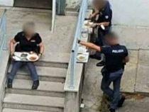 Green pass: La foto degli agenti di polizia non vaccinati che pranzano all'esterno della mensa