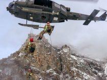 Belluno: Prove di collaborazione tra il Soccorso alpino e le truppe alpine dell'Esercito Italiano
