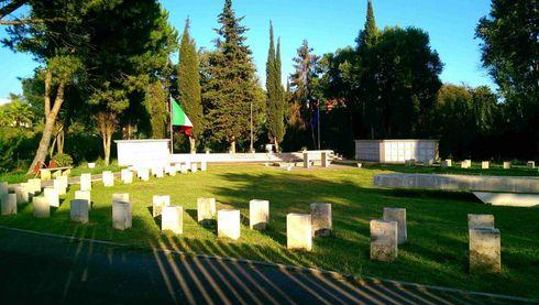 """Cronaca: Nettuno, vandalizzato il Sacrario Militare """"Campo della Memoria"""""""